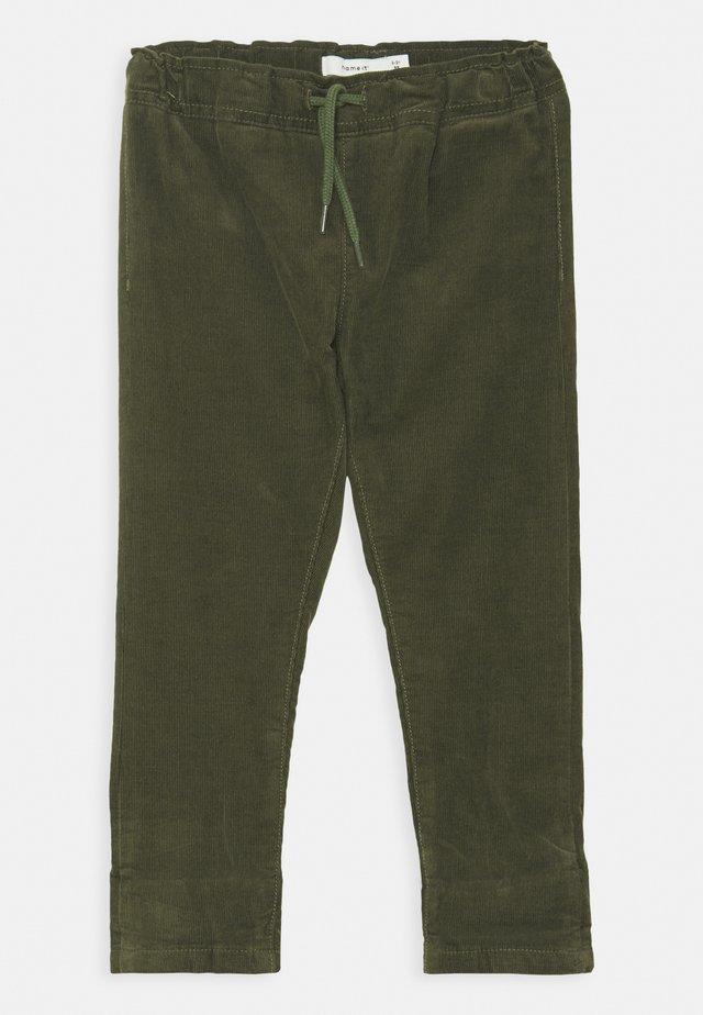 NMMBABU CORDCETONS PANT - Pantalon classique - thyme