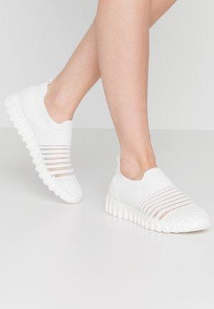 WYLIE - Slip-ons - white