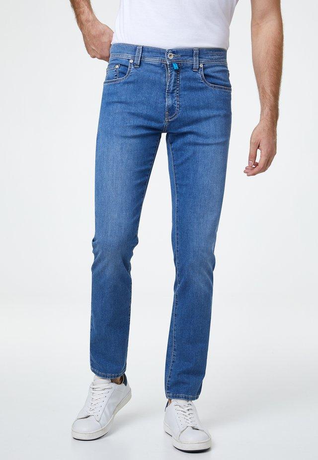 FUTUREFLEX LYON  - Jeans Tapered Fit - mid blue