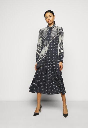 TRIANGLE GEO SHIRTDRESS - Shirt dress - windmill geo
