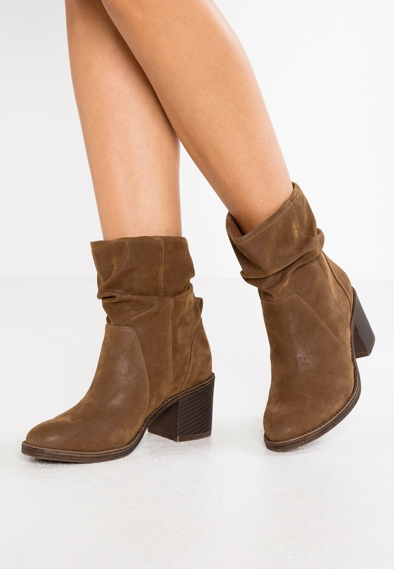 Bullboxer - Classic ankle boots - brown