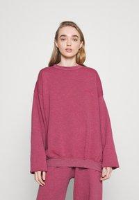 BDG Urban Outfitters - CREWNEWCK  - Sweatshirt - raspberry - 0