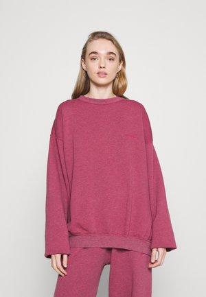 CREWNEWCK  - Sweatshirt - raspberry