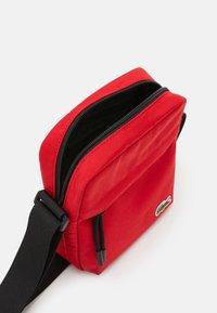 Lacoste - Camera bag - haut rouge - 2