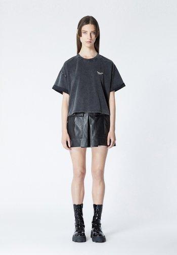 Basic T-shirt - bla