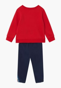 Levi's® - CREW SET - Tracksuit - red/dark blue - 1