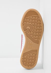 adidas Originals - CONTINENTAL 80 SKATEBOARD SHOES - Trainers - footwear white/grey three/scarlet - 4