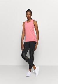 adidas Performance - T-shirt de sport - light pink - 1