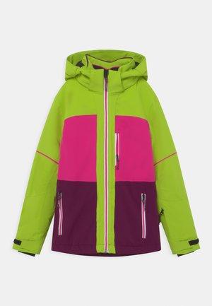 GIRLS SKI - Snowboard jacket - apfel