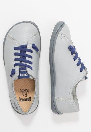 PEU CAMI KIDS - Zapatos con cordones - light grey