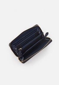 Valentino Bags - DIVINA - Wallet - navy - 2