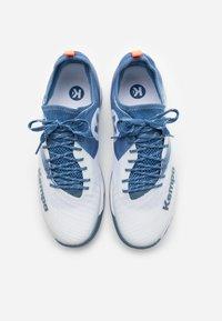 Kempa - WING LITE 2.0 - Handball shoes - white/steel blue - 3