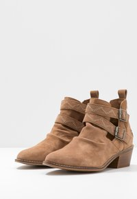 Musse & Cloud - DASHY - Ankle boot - tan - 4