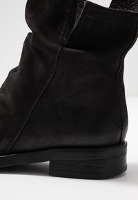 Felmini Wide Fit - SERPA - Classic ankle boots - pacific black - 2