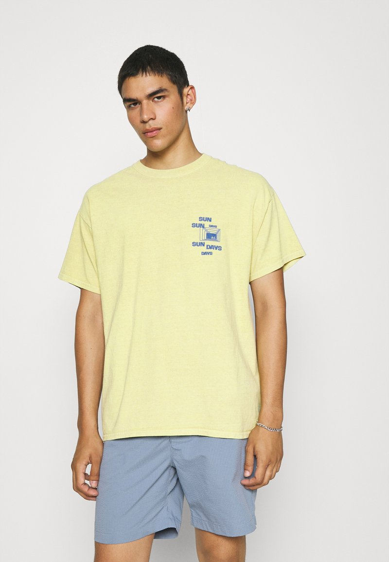 BDG Urban Outfitters - SUNDAY TEE UNISEX - Print T-shirt - yellow