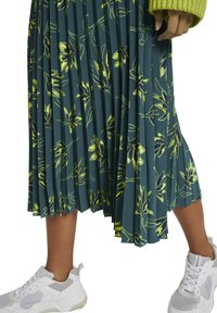mine to five TOM TAILOR - Pleated skirt - deep green leaves design - 7