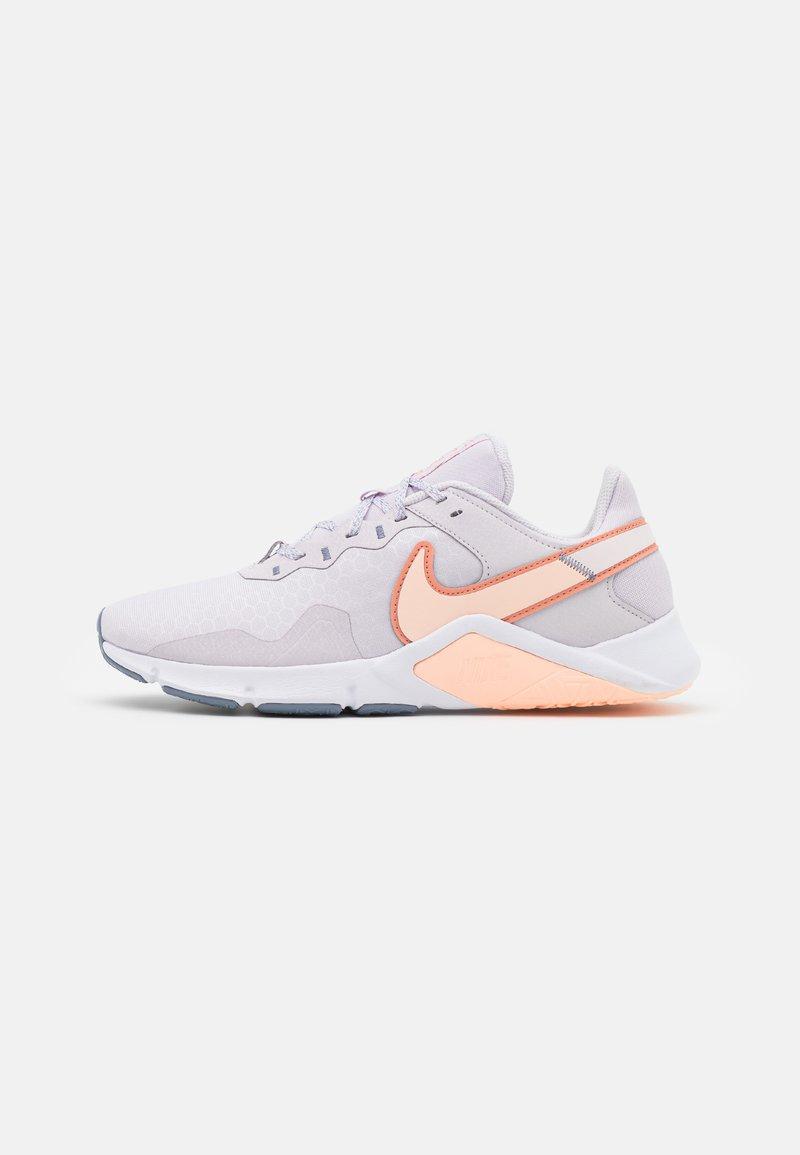 Nike Performance - LEGEND ESSENTIAL 2 - Zapatillas de entrenamiento - venice/crimson bliss/crimson tint/ashen slate/light soft pink/white