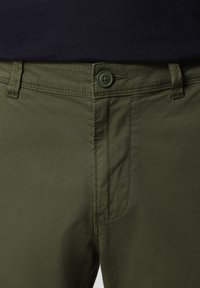 Napapijri - MOTO - Cargo trousers - green cypress - 4