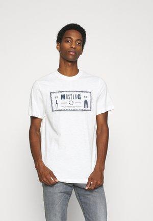 ALEX ICONIC - T-shirt med print - white