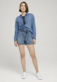 TOM TAILOR DENIM - Denim shorts - used light stone blue denim - 1