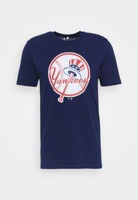 Fanatics - MLB NEW YORK YANKEES ICONIC PRIMARY LOGO GRAPHIC  - T-shirt z nadrukiem - navy - 4
