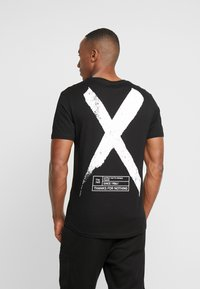 Pier One - T-shirt con stampa - black - 0