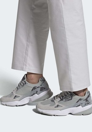 SHOES - Matalavartiset tennarit - grey