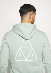 HUF - ESSENTIALS HOODIE - Hoodie - harbor grey - 5