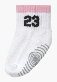 Jordan - LEGACY INFANT ANKLE 6 PACK - Sportovní ponožky - pink foam - 1