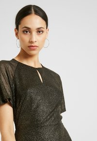 Dorothy Perkins Tall - KEYHOLE FIT AND FLARE - Cocktailkjole - bronze - 4