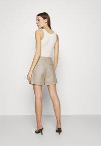 Gestuz - NIOA - Shorts - pure - 2