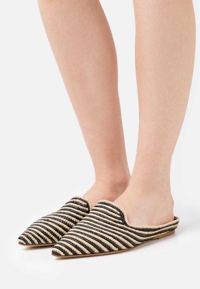 Patrizia Pepe - Pantofle - beige/black