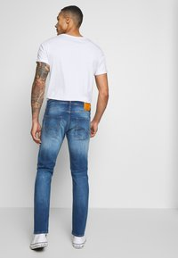 Jack & Jones - JJIMIKE JJORIGINAL JOS - Straight leg jeans - blue denim - 2