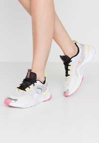 Puma - RISE CONTRAST  - Sneakers basse - white/purple heather/sunny lime - 0