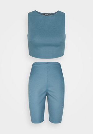 RACER NECK CROP AND CYCLING SET - Top - blue