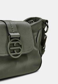 Esprit - HALLIE  - Handbag - olive - 4