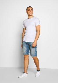 Diesel - THOSHORT - Szorty jeansowe - dark blue denim - 1