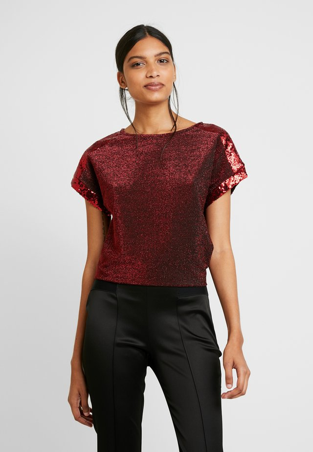 SEQUIN TEE - Print T-shirt - red