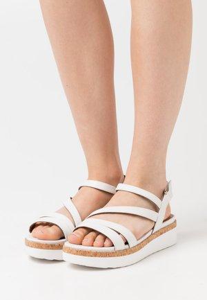 Platform sandals - white