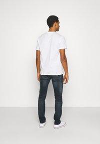 Tommy Jeans - SCANTON SLIM - Slim fit -farkut - dark blue denim - 2