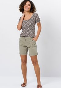 zero - Denim shorts - sage - 1