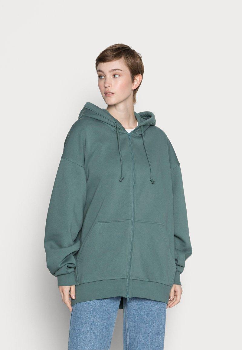 Weekday - HUGE ZIP HOODIE - Zip-up sweatshirt - green