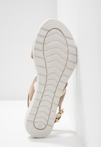 Pier One Wide Fit - Wedge sandals - rose - 6