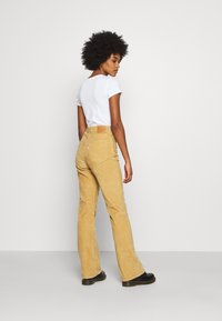 Levi's® - RIBCAGE BOOT - Trousers - iced coffee - 2