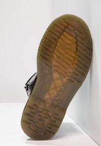 Dr. Martens - 1460 J PATENT - Šněrovací kotníkové boty - schwarz - 4