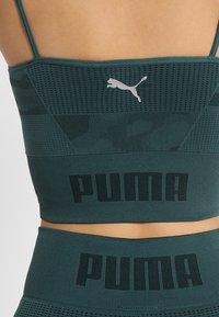 Puma - EVOKNIT SEAMLESS CROP - Funktionsshirt - ponderosa pine - 5