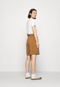 ARKET - SHORT - Shorts - beige dark - 2