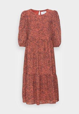 SLFVIOLE  MIDI AOP DRESS B NOOS - Day dress - chili oil