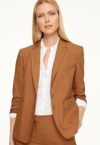 comma - MIT STITCHINGS - Blazer - chocolate camel - 0