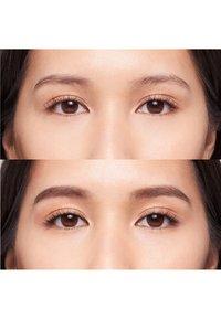 Bobbi Brown - PERFECTLY DEFINED LONG WEAR BROW PENCIL - Eyebrow pencil - 61504a espresso - 1